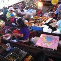Photo taken at Wat Lam Phaya Floating Market by Ravipa T. on 4/7/2012