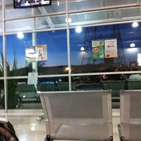 Foto tomada en Terminal de Autobuses Nuevo Milenio de Zapopan por Brenda M. el 4/4/2012