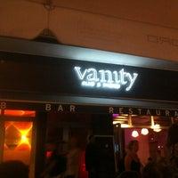 Das Foto wurde bei Vanity Club Cologne von Leonard L. am 8/18/2012 aufgenommen