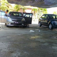 Photo taken at DIC Car Wash by bark 7. on 5/31/2012