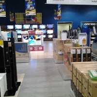 Photo taken at Extra by Anouar B. on 8/2/2012