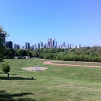 Foto scattata a Riverdale Park East da Connie C. il 5/19/2012