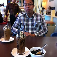 Photo taken at DAO coffee by Hungkdd on 9/12/2012