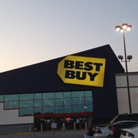 Photo taken at Best Buy by Michelle D. on 6/19/2012