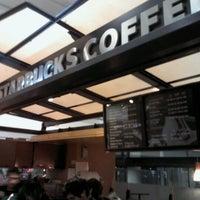 Foto diambil di Starbucks oleh Claudio G. pada 8/23/2012