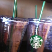 Photo taken at Starbucks by El Quince R. on 7/18/2012