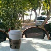Foto tomada en Starbucks por Seday M. el 3/25/2012