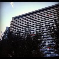 Das Foto wurde bei Sheraton Munich Arabellapark Hotel von Tariq B. am 8/23/2012 aufgenommen