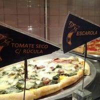 รูปภาพถ่ายที่ O Pedaço da Pizza โดย Mauricio T. เมื่อ 6/17/2012