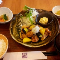 Photo taken at OOTOYA (โอโตยะ) 大戸屋 by K J. on 6/26/2012