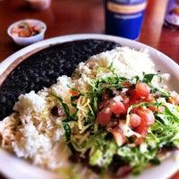 Das Foto wurde bei Baja Fish Tacos von Kelly J. am 2/11/2012 aufgenommen