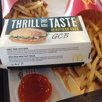 Photo taken at McDonald's & McCafé by Moonbelle B. on 8/23/2012