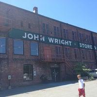 รูปภาพถ่ายที่ John Wright Store & Restaurant โดย Olya C. เมื่อ 7/2/2012