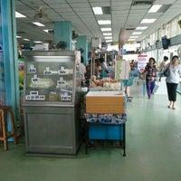 Photo taken at ร้านค้าสวัสดิการทหารอากาศ ดอนเมือง by Nuttapong K. on 2/24/2012