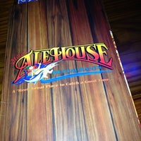 Photo taken at Miller's Ale House - Lake Buena Vista by Rubia M. on 5/26/2012