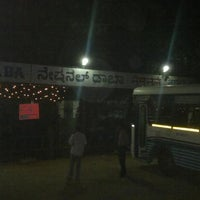รูปภาพถ่ายที่ National Dhaba โดย Sridath P. เมื่อ 4/21/2012