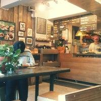 Снимок сделан в O Cafe пользователем Yebyul O. 8/29/2012