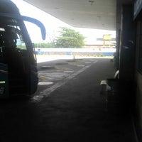 Photo taken at Terminal Rodoviário de Arcoverde by Arthur Knibel on 5/3/2012