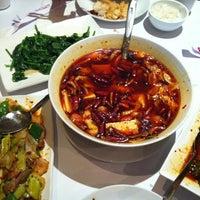 5/2/2012にAggie Y.がOllie's Sichuan Restaurantで撮った写真