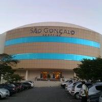 Foto tirada no(a) São Gonçalo Shopping por Diogo L. em 8/19/2012
