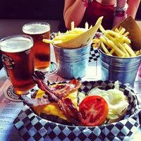 Foto scattata a Tizzy's NY Bar & Grill da Stefano B. il 6/16/2012
