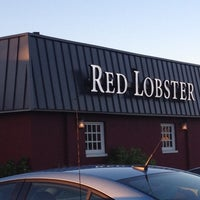 Photo taken at Red Lobster by Jenine K. on 8/7/2012