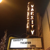 Foto scattata a Varsity Theater & Cafe des Artistes da Mel T. il 3/23/2012