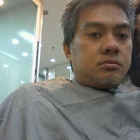 Photo taken at Salon Rudy by Rudy Hadisuwarno by Oggi I. on 3/11/2012