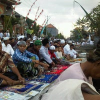 Photo taken at Masjid Al Qomar by Faris G. on 8/18/2012