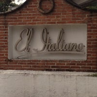 Photo taken at El Italiano by TRIPULANTE G. on 8/30/2012