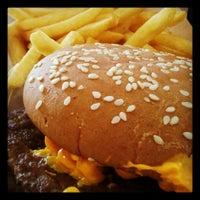 Foto tirada no(a) McDonald's por Filipe L. em 4/10/2012