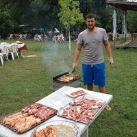 7/17/2012 tarihinde Mahirziyaretçi tarafından Yeşil Çiftlik Restaurant'de çekilen fotoğraf