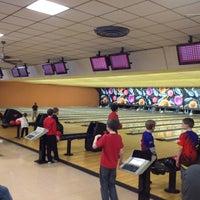 Photo taken at Dixie Bowl by Robin MeMe R. on 2/25/2012