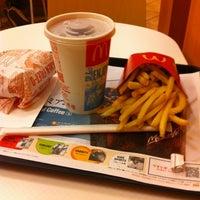 Photo taken at McDonald's by Yoshiyuki A. on 7/25/2012