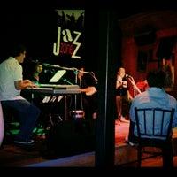 Foto scattata a Jazz Zone da Rox il 3/8/2012