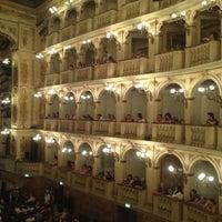 รูปภาพถ่ายที่ Teatro Comunale โดย Stefano A. เมื่อ 7/18/2012