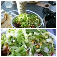 Photo taken at Chipotle Mexican Grill by Waseem D. on 8/10/2012
