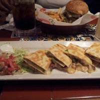 Photo taken at Chili's Grill & Bar by David H. on 8/26/2012