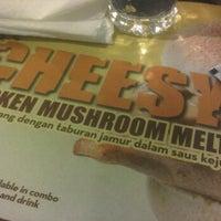 Photo taken at Wendy's Foodcourt MKG 3 by Ria E. on 5/6/2012
