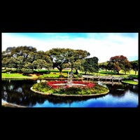 Photo taken at Victoria Park by 高手놀리밑™ on 4/28/2012
