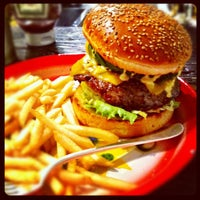 Foto scattata a Whoopi Gold Burger da can p. il 9/1/2012