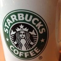 Das Foto wurde bei Starbucks von Philipp B. am 4/23/2012 aufgenommen