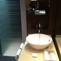 Foto tomada en Olivia Plaza Hotel por Елена Ж. el 3/12/2012