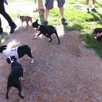 Foto tirada no(a) Centennial Hills Dog Park por Adam G. em 7/29/2012