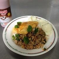 Photo taken at ร้านอาหาร สวัสดิการ ศิริราช by Maxis N. on 5/16/2012