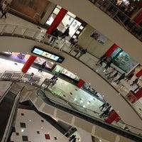 Foto tirada no(a) Shopping Metrô Boulevard Tatuapé por Ricardo S. em 7/12/2012