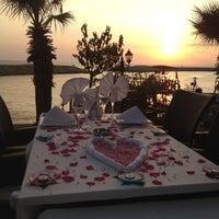 8/8/2012 tarihinde Erhan T.ziyaretçi tarafından Liman Restaurant Lounge Club'de çekilen fotoğraf