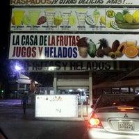 Foto tomada en La Casa de las Frutas, Jugos y Helados por Waldo C. el 4/29/2012