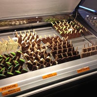 Foto tirada no(a) Bruno Alves Chocolatier por Priscila P. em 6/17/2012