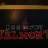Photo taken at Lee Roy Selmon's by Lizz H. on 7/18/2012